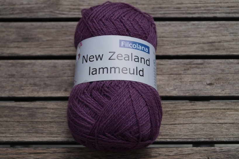 NZ Lammeuld Flieder dunkel