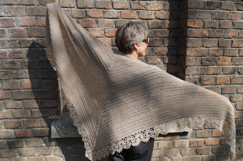 Shawl Pattern Im Salettl - English